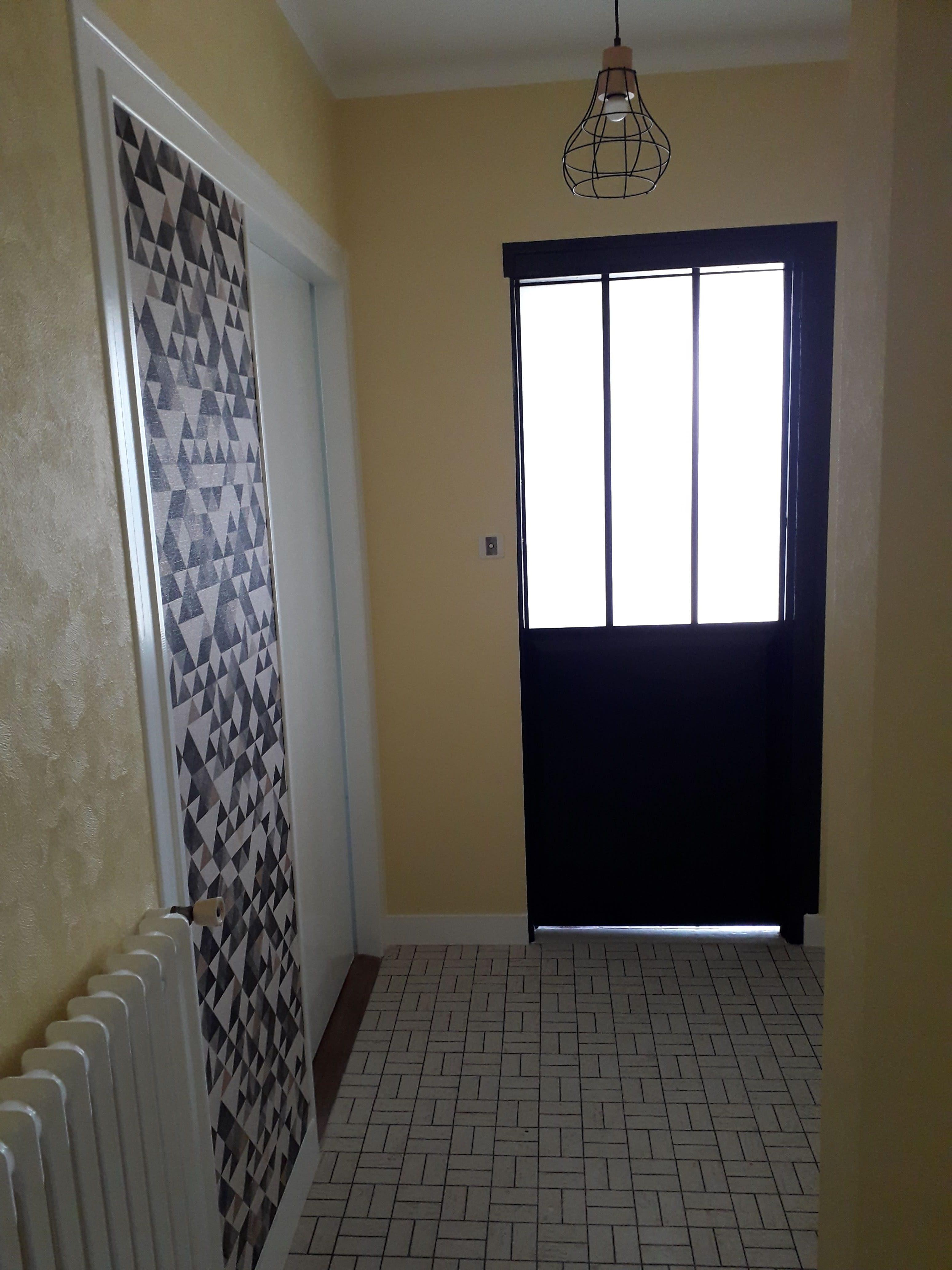 rénovation cage d'escalier noir et couleur ,Le Foeil 22 deco peinture