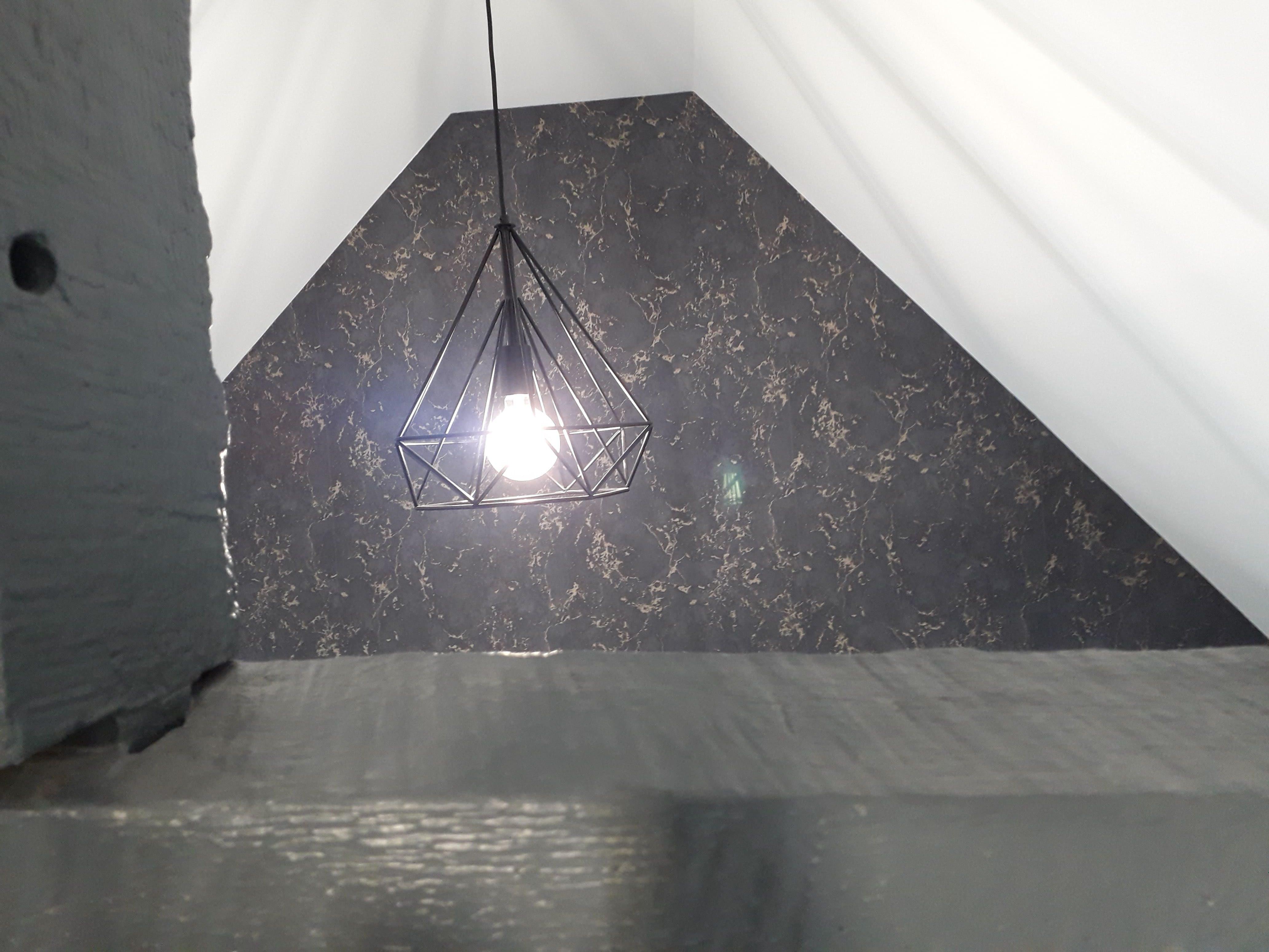 mur papier peint imitation marbre noir veiné doré Quintin 22 déco peinture