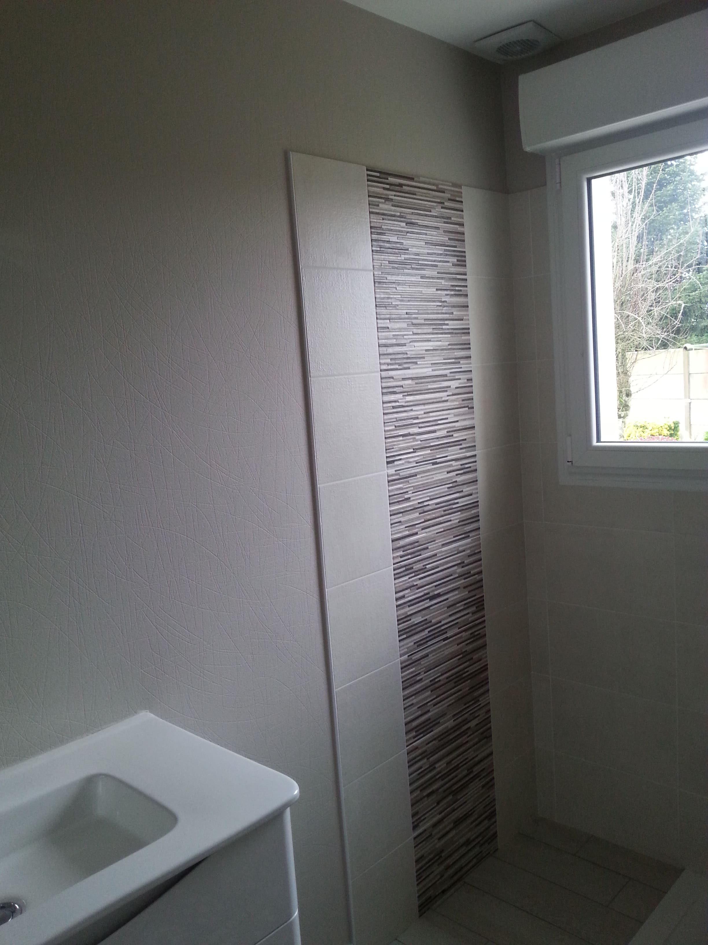 salle de bains ton naturel déco peinture Quintin